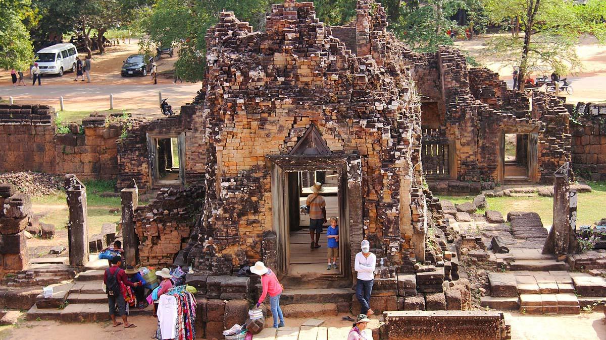 Pre Rup mountain temple